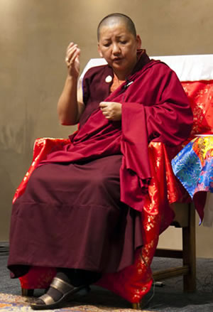 Jetsüun Khandro Rinpoche teaching in Santa Fe