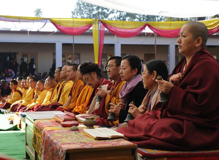 Jetsün Khandro Rinpoche, Jetsün Dechen Paldrön and Minling Sangyum Kushog during a sadhana practice at Mindrolling Monastery