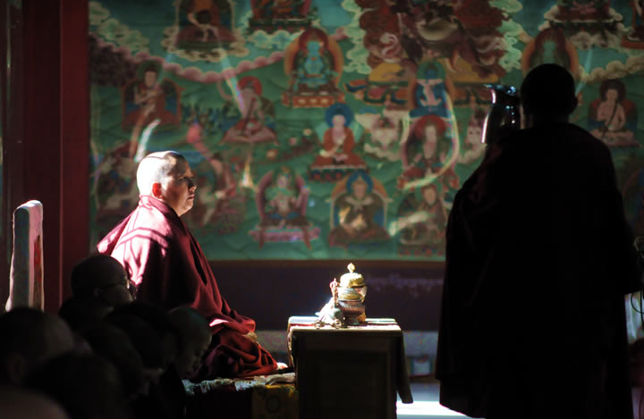 Jetsün Khandro Rinpoche during an empowerment in the Great Stupa of Mindrolling Monastery.