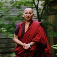 Mindrolling Jets&uumln Khandro Rinpoche.