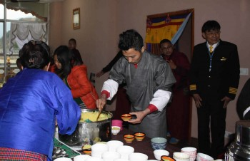 Upon arrival a traditional ceremony of tea and rice is offered to the Mindrolling Family by the family of Chönyid Choedron, one of the senior nuns of Samten Tse and a native Bhutanese.