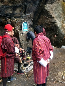 Path-side shrine to Guru Rinpoche during the ascent to Taktsang.