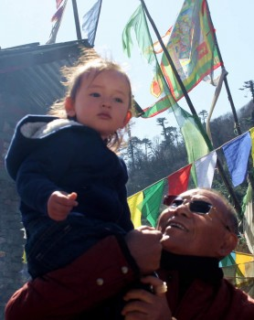 Dungse Rinpoche with Lama Riga la at Pelela Pass.