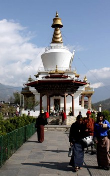 The Memorial Chorten, conceived by Thinley Norbu, was built in 1974 to honor the third Druk Gyalpo, Jigme Dorji Wangchuck (1928–1972). It is frequented by many townspeople who come to circumambulate.