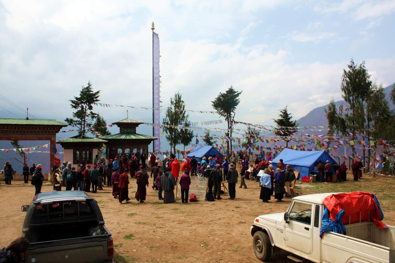 Lunch at Kila Gompa at the foot of Drak Karpo.