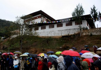 Group members gather below Kila Gompa at the foot of the Drak Karpo site.
