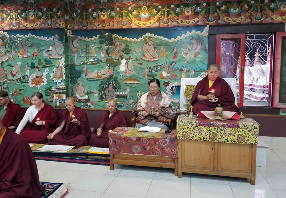 Minling Sangyum Kushog and HE Jetsün Khandro Rinpoche during the Thugje Chenpo Drubchen at Mindrolling Monastery