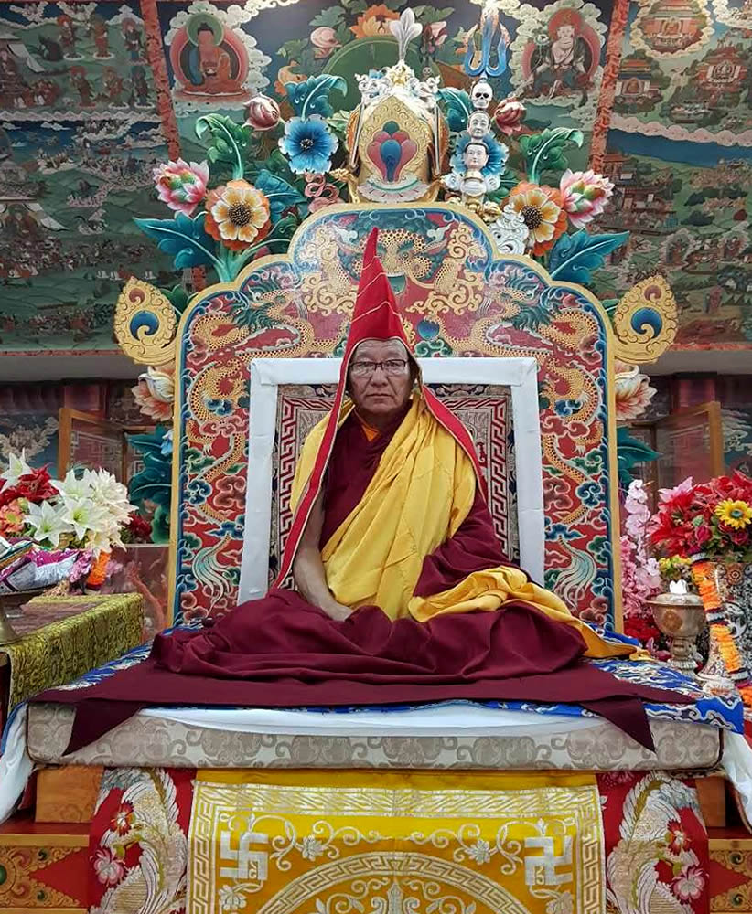 His Eminence Khochhen Rinpoche during the tenzhug ceremony.